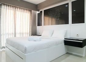 Cozy Studio Room Tamansari The Hive Cawang Apartment By Travelio photos Exterior