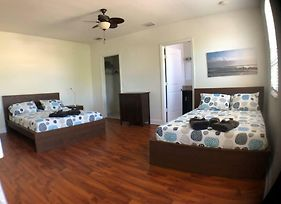 4 Bedroom House Close To Everything In Fll. photos Exterior