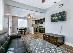 Lovely 1Br Next To City Park By Hosteeva photos Exterior