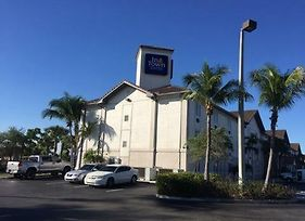 Intown Suites Extended Stay West Palm Beach Military Trail Rd photos Exterior