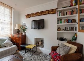 2 Bedroom Flat In The Heart Of London By Guestready photos Exterior