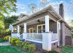Charming Home, Historic District, Walk To The City photos Exterior