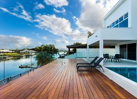 Lavie Waterfront House - 4 Master Rooms photos Exterior