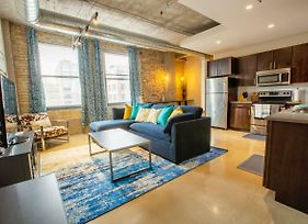 Modern Industrial 1 & 2 Bedroom Apt In The Hip North Loop Of Downtown Minneapolis photos Exterior
