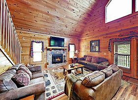 New Listing! Wooded Retreat W/ Hot Tub, Near Lake Home photos Exterior