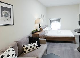 Simple Studio In Downtown Crossing By Sonder photos Exterior