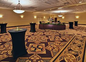 Ramada By Wyndham Midtown Grand Island photos Interior