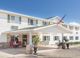 Super 8 By Wyndham Escanaba photos Exterior