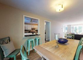3 Bed 2 Bath Vacation Home In West Tisbury photos Exterior