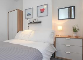 Donegall Avenue - Serviced Accommodation photos Exterior