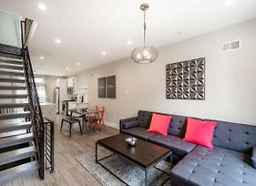 Stylish 4Bd Townhouse With Private Roof Deck photos Exterior