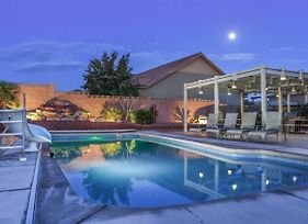 4242 Sand Hollow Private Pool And Hot Tub, Water Slide, Playground, Lots Of Parking, Ping Pong photos Exterior