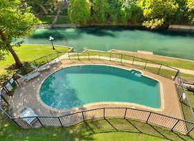 Jewel On The Comal River! Walking Distance To Schlitterbahn And Downtown! - Inverness 213 photos Exterior