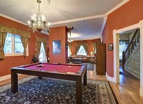 Governor'S Mansion - Downtown Beautiful Space, Pool Table, Pets Welcome! photos Exterior