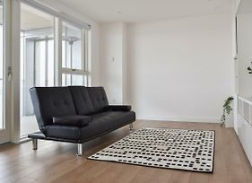 2 Bedroom Riverside Flat In Greenwich With Large Balcony photos Exterior