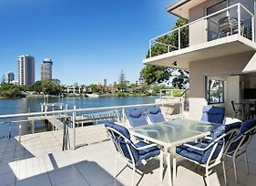 Luxury Waterfront Home In Surfers Paradise photos Exterior
