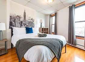 Fantastic 8 Bedroom/3 Bathroom 15 Mins To Nyc! 3 Floors To Yourself! photos Exterior