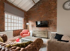 The Warehouse Loft Trendy Converted Warehouse 3Bdr photos Exterior