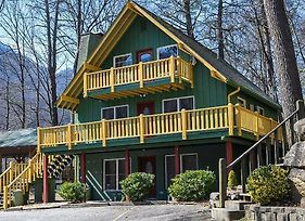 Beautiful Chalet Close To Chimney Rock State Park And Lake Lure Home photos Exterior