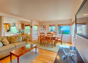 #128 - Del Mar Vacation Rental Cottage With Ocean Views Two-Bedroom Holiday Home photos Exterior