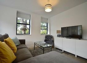 Stylish 2 Bedroom Apartment In Downtown Bristol photos Exterior