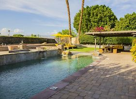 Luxury La Quinta Oasis - 4 Bd, Saltwater Pool & Spa, Golf, Relax, Retreat photos Exterior