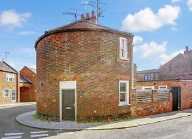 The Little Round House Entire House Town Centre photos Exterior