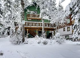 Mt Hood Chalet Vacation Rental photos Exterior