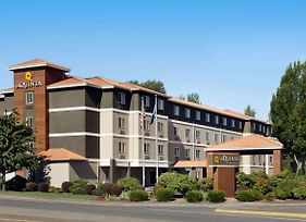 La Quinta Inn & Suites By Wyndham Salem Or photos Exterior