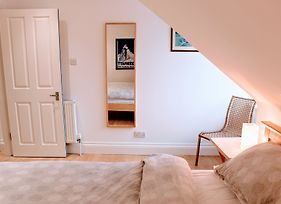 2 Bedroom Penthouse Apartment On Royal Mile photos Exterior