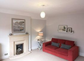Spacious And Homely 3 Bedroom Clifton Flat photos Exterior