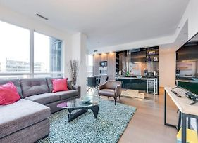 Beautifully Designed 2Br Suite Financial District photos Exterior