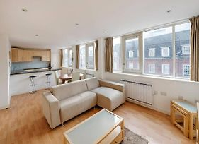 Modern Aircondition 2 Beds 2 Bath Victoria Station photos Exterior