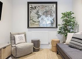 Stylish 2Br Party Apartment, Central & Modern photos Exterior