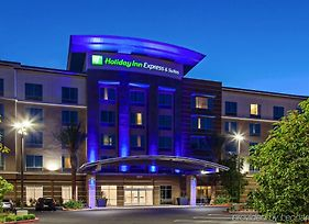 Holiday Inn Express & Suites Anaheim Resort Area photos Exterior