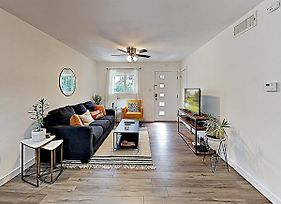 New Listing! Travis Heights Haven Near Trendy Soco Condo photos Exterior