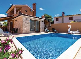 Two-Bedroom Holiday Home In Pula photos Exterior