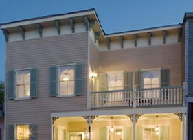 Elegant Historic Home Steps To River Street For Family Retreats With Parking photos Exterior