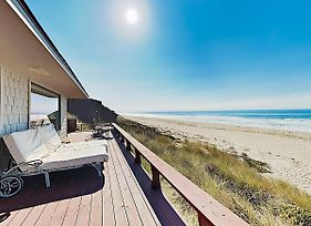 Large Beachfront Home W/ Wraparound Deck Home photos Exterior