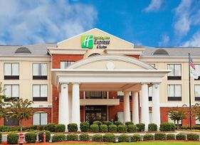 Holiday Inn Express Hotel & Suites Tupelo photos Exterior
