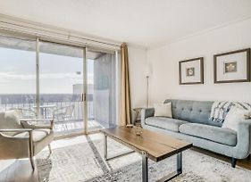 Stylish Downtown Apartment, Fantastic Location By Lodgeur photos Exterior