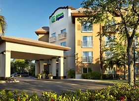 Holiday Inn Express Hotel & Suites Naples Downtown - 5Th Ave photos Exterior