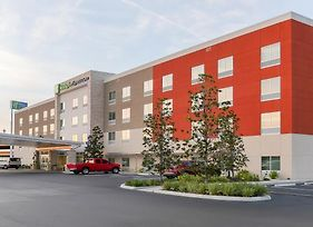 Holiday Inn Express & Suites Tampa East - Ybor City photos Exterior