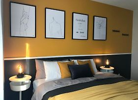 Cozy Room- Olympic Stadium & Downtown Montreal #3 photos Exterior