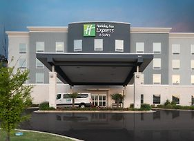 Holiday Inn Express & Suites Memphis Arpt Elvis Presley Blv photos Exterior
