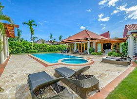 Cajuiles Villa Sleeps 12 With Pool Air Con And Wifi photos Exterior