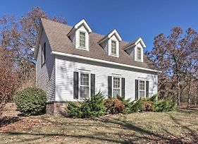 New! Cozy Cottage W/ Grill, 3Mi To Oaklawn Racing! photos Exterior