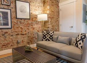 Modern & Cozy Philly Apartment - Perfect Location! photos Exterior