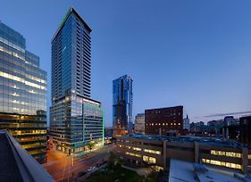 Holiday Inn Hotel & Suites Montreal Centre-Ville Ouest photos Exterior