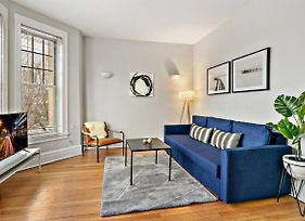 Chic & Modern 2Br Apt Best Location For Travellers G3 photos Exterior